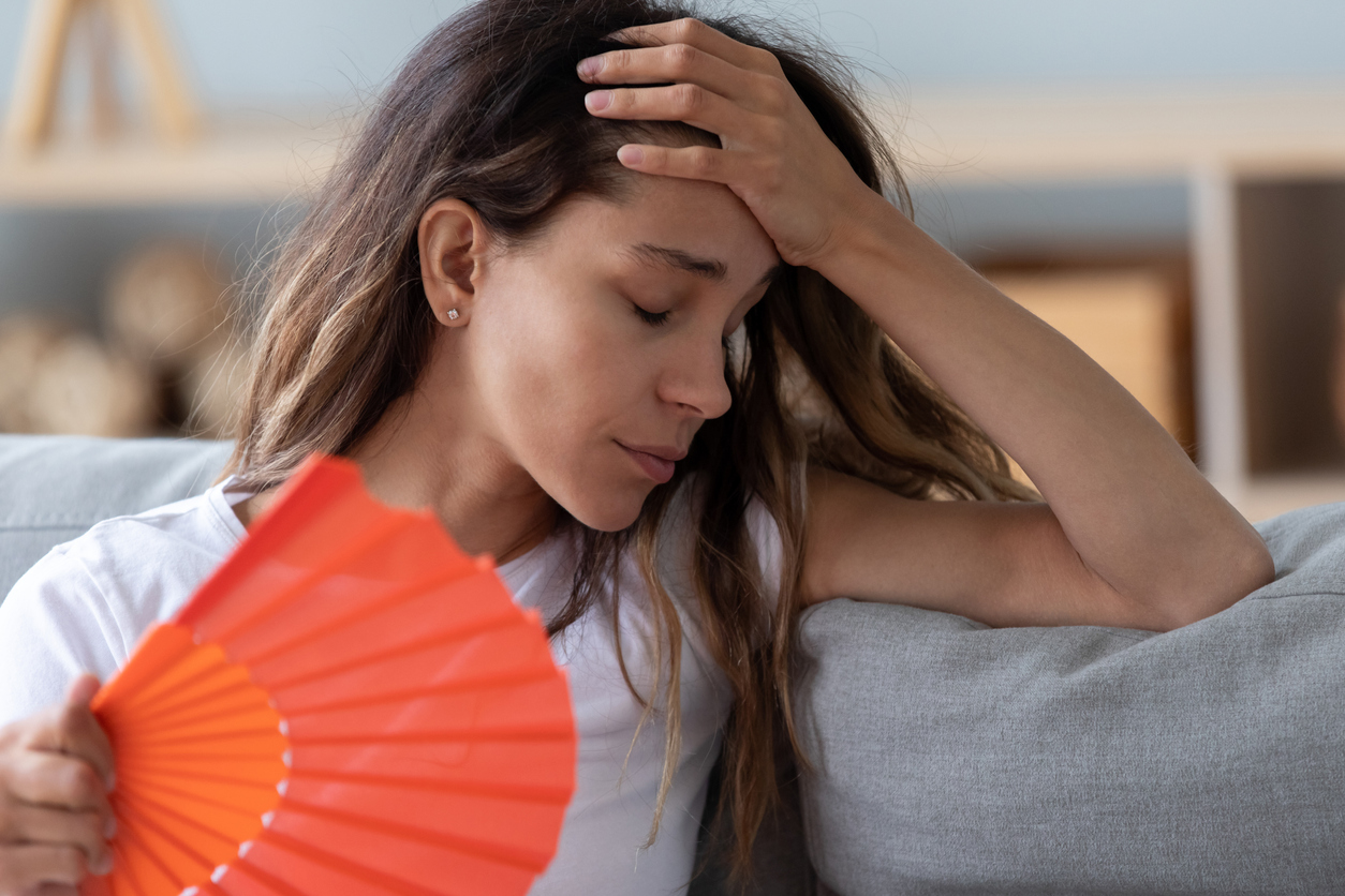 femme âge bouffées de chaleur symptômes ménopause