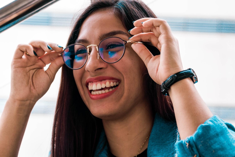lunettes astuces femme