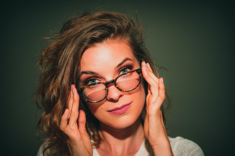 lunettes de vue astuces porter femme visage