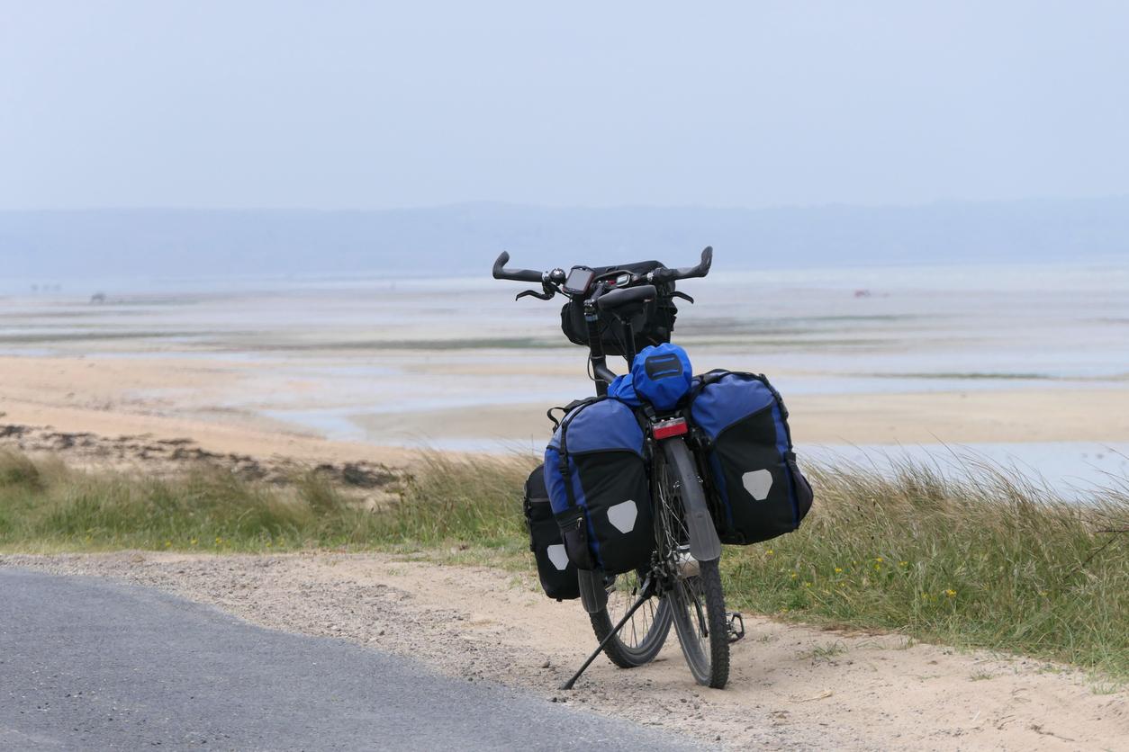 voyage vélo rando sacoches plage mer sable cycle