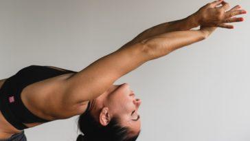 yoga femme posture peau