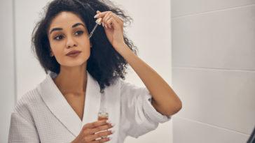 femme salle de bain huiles végétales rideshuile visage soin antirides naturel