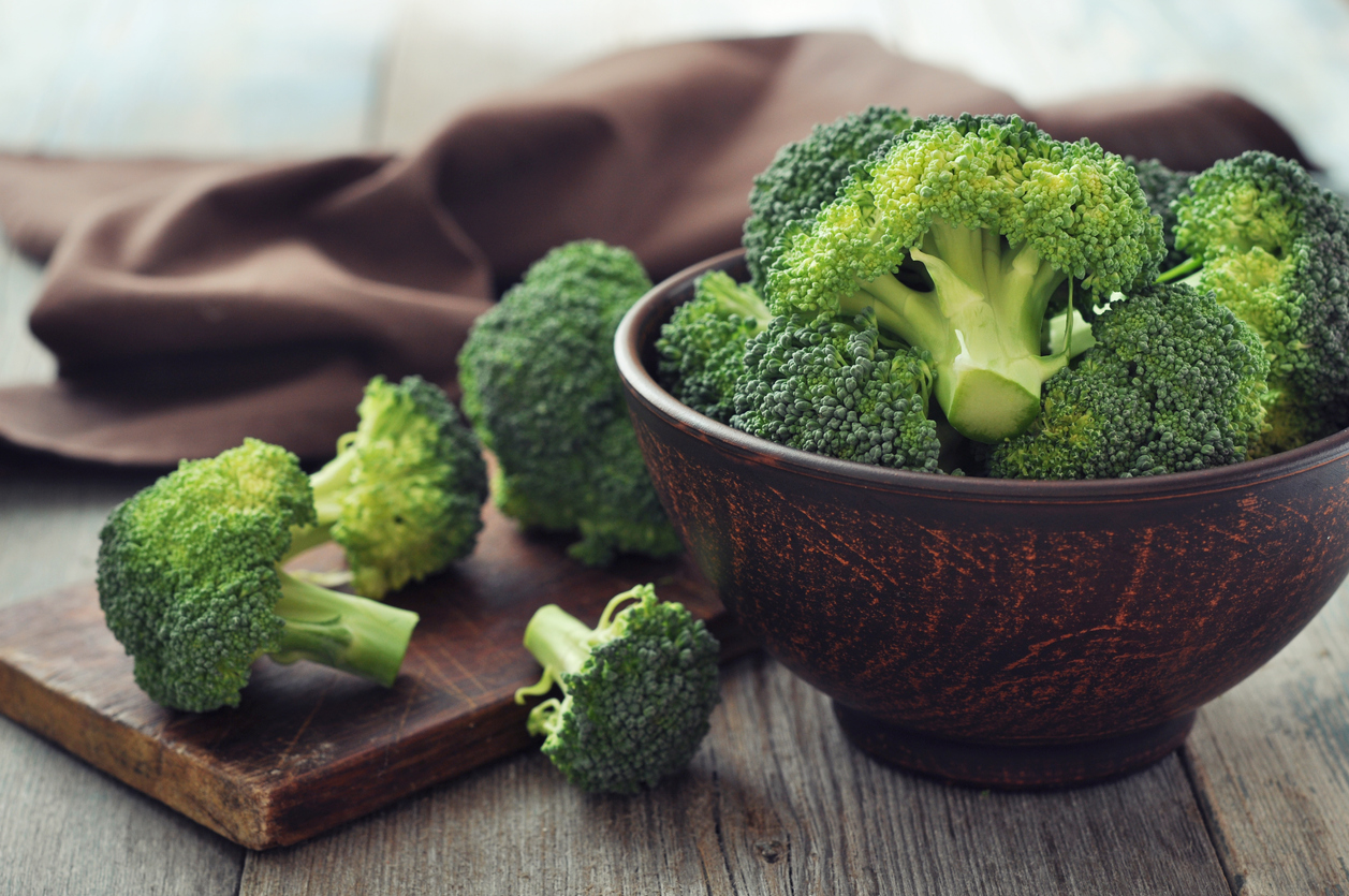 brocoli légumes verts bol repas salade légume crucifère