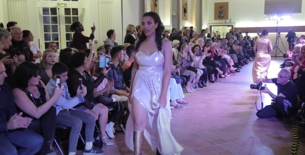 défilé mode Paris femme prothèse fashion week